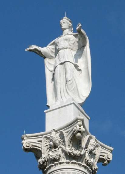 Lady Victory atop Yorktown Victory Monument